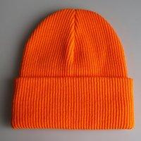 beanie verde laranja venda por atacado-Barrete Plain malha Chapéus Inverno Quente Gorros punho para mulheres dos homens Amarelo Laranja Preto Verde Escuro