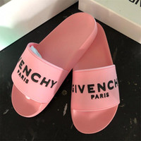 kadınlar için beyaz kauçuk ayakkabılar toptan satış-Yüksek Kaliteli Lüks Tasarımcı Erkekler ve Kadınlar Yaz Pembe Beyaz Kauçuk Terlik Plaj Slayt Moda Scuffs Sandalet Kapalı Ayakkabı Boyutu 36-45