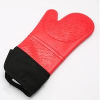 antideslizante de silicona al por mayor-DHL 1 piece Los guantes resistentes al calor de silicona antideslizantes microondas engrosadas guantes de aislamiento de alta temperatura anti-escaldado guantes de horno de cocción A02