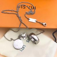 gümüş hat kolye toptan satış-Orijinal kutusu ile Üst Lüks erkek kolye kolye L sızdıran kare kolye kolye gümüş modeli ünlü tasarımcı işi takı hediye