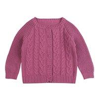 tığ işi çocuk kazağı toptan satış-Örgü Katı Triko Bebek Boys Kız Crochet Hırka O-Boyun Kazak Yumuşak Kıyafet Coat Tut Sıcak Kış Bebek Giyim çevirin