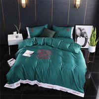 fibra de tencel al por mayor-Cuatro piezas clásicas Tencel fibra de cama Ropa de cama bordado 4pcs del algodón de la ropa de cama confortable Pareja Contratado En todas las estaciones