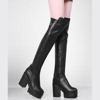 sobre as botas de pele branca do joelho venda por atacado-Novos 2019 Punk Inverno Saltos altos sobre as Botas Moda Plataforma pele morno botas de neve sexy preto longo branco sapatas da mulher
