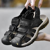 ingrosso scarpe in pelle clog-Scarpe con fori Sandali maschili con cinturino in vera pelle Crocodonci con scarpe da uomo Sandali con fibbia sandalo Sandalet Sandali con fibbia estiva Nuovo 2019 Taglia 38-46
