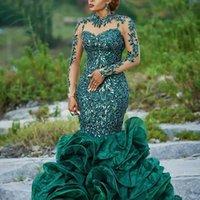 imagen de vestido de color verde oscuro al por mayor-Vestidos de fiesta de sirena de África de manga larga Lentejuelas de color verde oscuro Volantes de encaje Vestidos de noche formales Cuello transparente Cremallera Volver Vestidos de cóctel