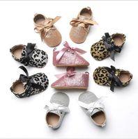 ingrosso scarpe prewalker leopard-5 colori scarpe bambina bambino Bow Ribbon Lace-up Bling Leopard principessa bambini scarpe Toddler suola morbida antiscivolo primo camminatore Calzature Prewalker