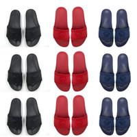 markalı sandalet erkekler toptan satış-2019 Yeni Sıcak Marka Erkekler Plaj Slayt Sandalet Medusa çizikleri 2017 Terlik Erkek Siyah Beyaz Plaj Moda Tasarımcısı Sandalet Boyut 40-45 slip-on