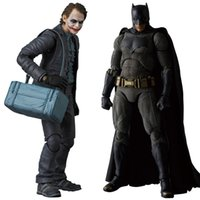figuras de modelos de batman al por mayor-MAFEX NO.015 017 Batman The Dark Night The Joker Acción de PVC Figura de colección Modelo de juguete 15cm