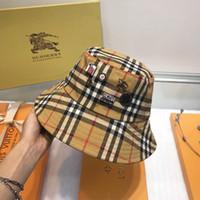 ingrosso cappello di inverno stile mens-2019 nuovo cappello da pescatore moda autunno / inverno Cappello da pescatore di marca design distintivo a strisce Cappello da pescatore da uomo casual classico stile caldo