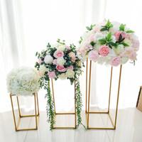 ingrosso vasi in oro bianco-10pcs / Lot Vasi Oro / Bianco Fiore Stand Metallo Road Lead Centrotavola centrotavola per fiori per decorazione di eventi