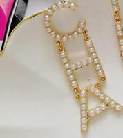 pearl toptan satış-Sıcak Tasarımcı Tam Rhinestone / Tam İnci Mektubu Püskül Küpe Kadınlar Için Moda Asimetrik Saplama Küpe Takı Hediyeler Ücretsiz Kargo