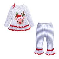 kızlar uzun ceket ruffle toptan satış-3D Bow + Çizgili Flare Pantolon 2 adet / set LA232 ile Noel Kız Bebek Kıyafet Uzun Kollu kar tanesi deseni ren geyiği Baskı fırfır Elbise Coat