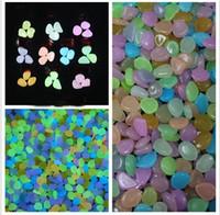 bahçe için hafif çakıl taşları toptan satış-Renkli Güneş Glow Taş Simülasyon Hafif Aydınlık Cobblestones Çakıl Akvaryum Balık Tankı Bahçe Su Çeşme Dekorasyon