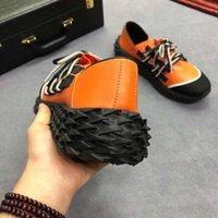 dantel yakala toptan satış-yardım iki renkli bağcıklar ipek deri kaymayan için 19 yeni Avrupa istasyon düşük gevşek taban moda trendi erkek ayakkabı 35-45 göz alıcı
