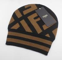 beanies da moda feminina venda por atacado-2019 mais recente venda quente moda clássico de alta qualidade estilos de chapéu FF de homens e mulheres chapéus de malha manter quente no inverno Beanie Skull Caps