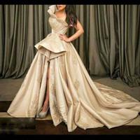 robe soiree peplum großhandel-Champagne ein Schulter-Abend-Kleid-Rüschen Peplum SpitzeAppliques robe de Soiree Frontseiten-Schlitz Abendkleid Satin plus size Partei-Kleider