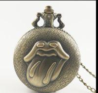 символьные часы оптовых-Старинные бронзовые персонажи мультфильмов губы флип часы женщина и мужчины ожерелье карманные часы подарок