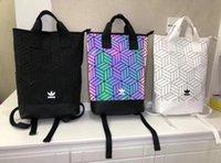 mochilas de verano blancas al por mayor-Verano Nueva Moda Mochilas Hombres y Mujeres Diseñador Negro Blanco Colorido Bolsa de Color Sólido Envío Gratis