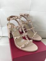 sandalias de marcas famosas al por mayor-Las mujeres libres del envío de las sandalias del diseñador del cuero genuino remache clásico de las señoras de calidad superior famosos logotipos