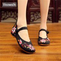 ingrosso scarpe piatte cotone cinese-Veowalk Fiori cinesi Donne ricamate Canvas Mary Janes Flats Retro Ladies Comfort Cotton Walking Shoes Morbide scarpe da donna