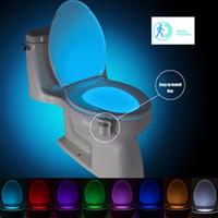 nachtlichtfarben großhandel-Smart PIR Bewegungsmelder Toilettensitz Nachtlicht 8 Farben Wasserdichte Hintergrundbeleuchtung Für Toilettenschüssel LED Luminaria Lampe WC Toilettenlicht
