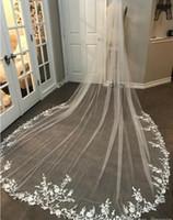 véu de noiva de marfim de 3m venda por atacado-3 M Longo Véu de Renda Appliqued Catedral Comprimento Appliqued Branco Marfim Véu de Noiva Véus de Noiva Cabelo De Noiva Com Pente Livre Nova Chegada