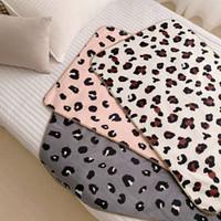 crianças leopardo veludo venda por atacado-Crianças Cobertor Do Bebê Swaddle Cobertor Velvet criança Impressão Leopardo Dormir Xale cobertores Cobertor de algodão 100 * 68 cm BXX008