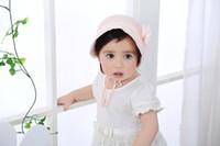 kız başlıklar fotoğrafları toptan satış-Bebek sevimli pamuk dantel şapka yaz güneş retro kap çiçek düz renk saray kapaklar yenidoğan erkek kız fotoğraf pervane