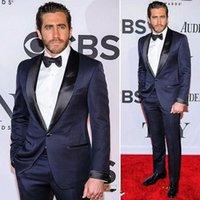 erkek takım elbise kravat toptan satış-Yakışıklı Koyu Lacivert Smokin Slim Fit Erkek Düğün Takımları Bir Düğme Damat Giymek Iki Adet Ucuz Custom Made Örgün Suit (Ceket + Pantolon + Papyon)