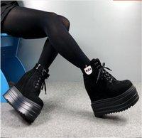 cuñas de 14cm. al por mayor-2018 otoño e invierno nuevos, además de terciopelo, zapatos de mujer de tacón de cuña de 14 cm.