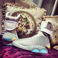 media auto venda por atacado-Sapatos de grife auto laço Air mag De volta ao futuro McFly LED Mens Mag Sneakers marca de moda Mens mcfly Luxo cinza mulheres Botas MAGS