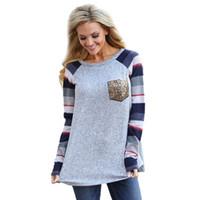camisa de cuello suave al por mayor-Mujer de lentejuelas bolsillo manga larga primavera impresión de empalme camiseta exterior ocio chaqueta cuello redondo suave gris transpirable 20kf C1