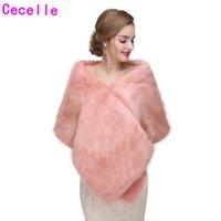 damas de honor capas de invierno al por mayor-2019 Pink Winter Bridal Faux Fur Wraps Damas de honor Pink Faux Fur Capes para el banquete de boda Mujeres adultas Pink Winter Party Wrap Fur Wrap