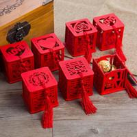 ingrosso chinese red tassel-100 pezzi di legno cinese doppio felicità felicità scatole di caramelle scatola di caramelle cinese rosso classico caso zucchero con nappa