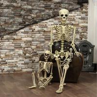 silla de organza blanca arcos al por mayor-Venta caliente 1Pc del tamaño grande de horror luminoso móvil del esqueleto del cráneo Halloween Props de Halloween resplandor víspera Decoración asustadiza