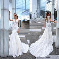 yeni düğün tasarımı elbise toptan satış-2019 Yeni Tasarım Mermaid Gelinlik Uzun Seksi Derin V Boyun Dantel Boncuk Kristaller Gelin Törenlerinde Sweep Tren Gelinlik BC1950
