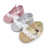 75342218167e2 Enfant en bas âge bébé filles princesse dentelle berceau chaussures  couronne nouveau-né prewalker baskets à semelle souple occasionnel