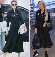 ünlü baskılı elbiseler toptan satış-2019 Tasarımcı Kadın Elbise High End Siyah Standı Yaka Uzun Kollu Pleats Uzun Womne Elbise Mektup Baskı Fermuar Ünlü Stil Elbise