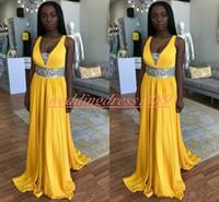 junior mädchen gelb kleid großhandel-Elegante schwarze Mädchen-Chiffon- gelbe Abschlussball-Kleider Sequined tiefer V-Ansatz plus die Größen-Juniors, die formale Wea-Partei-Kleider glätten Preiswertes Vestido de Fiesta