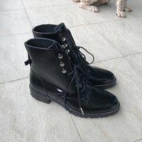zapatos de estilo italiano de las mujeres al por mayor-Venta caliente-Nuevo estilo italiano Botas de mujer Cuero genuino Punta redonda Mujeres Motocicleta Botas Zapatos con cordones Mujeres Zapatos Mujer