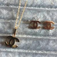 cadenas de collar multi cadena al por mayor-2020 Collares Pendientes de calidad superior sistemas de la joyería de titanio de acero chapado en oro de 18 quilates Pendientes Collares 3 colores collar colgante para las mujeres regalo