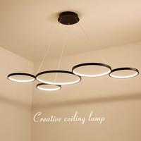 lámpara de suspensión negra al por mayor-Luces colgantes modernas del minimalismo blanco / negro del LED para cenar la sala de estar de la sala de estar que cuelga la lámpara pendiente de la suspensión