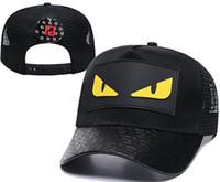 ingrosso i cappelli dei cappelli dei giovani-hip-hop famoso Italia Marca Adulti Estate Giovani Cappellini baseball Moda F Design Primavera Autunno Casual Cappelli da baseball Uomo Donna Mostro Occhi Cappellino