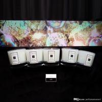 velas de incienso al por mayor-Incienso Velas de Navidad Nueva vela de aromaterapia Cinco piezas de este conjunto 35g * 3 más alta calidad superior del perfume desodorante dormitorio Venta limitada