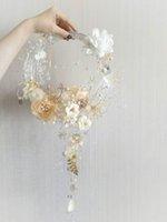 hortum biter toptan satış-High-end özel akrilik plastik hortum ve gümüş tel düğün buket soluk altın beyaz ipek çiçek düğün buket