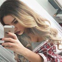 ingrosso parrucca sicura-Moda Donna Nero mix Parrucca anteriore in pizzo biondo per le donne Miglior parrucca sintetica capelli ondulati 24 pollici parrucche Cosplay calore-ruolo sicuro