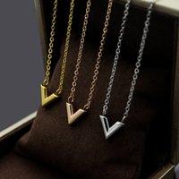 v-förmigen schmuck großhandel-Hochwertige mode marke v form liebe anhänger halskette für frauen titanium stahl doppel kreis gold silber mann halskette schmuck großhandel