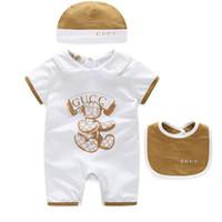 bebek önlük markaları toptan satış-3 Adet / takım Bebek Kız Marka Giysiler Çocuk tulum + şapka + Önlüğü Pamuk Erkek Bebek Giysileri Yenidoğan Bebek Giyim Setleri