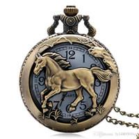 regalos caballo de bronce al por mayor-2018 Reloj de bolsillo Retro Bronce Cobre Caballo Hueco Reloj de cuarzo Reloj Hora Fob 12 Cadena del zodiaco Colgante Regalos de cumpleaños para hombres Mujeres
