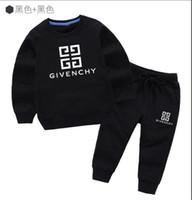 bebek tişörtleri toptan satış-Yeni klasik Lüks Logo Tasarımcısı Bebek t-shirt Pantolon ceket jacekt hoodle kazak olde Suit Çocuk moda çocuk 2 adet Pamuk Giyim S
